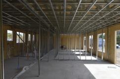 Interior wall frames / marcos de los muros interiores instalados